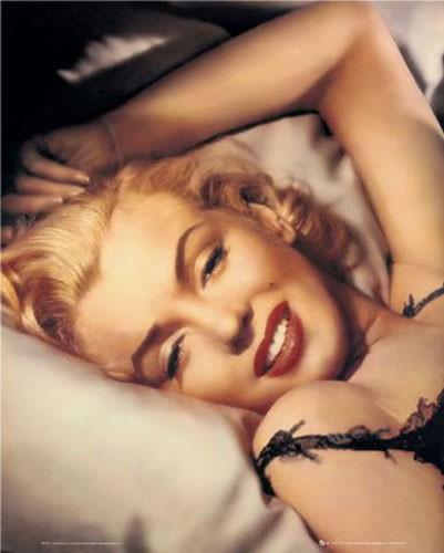 Marilyn Monroe im Bett