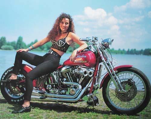 Roter Harley Davidson mit einem Mädchen, Poster