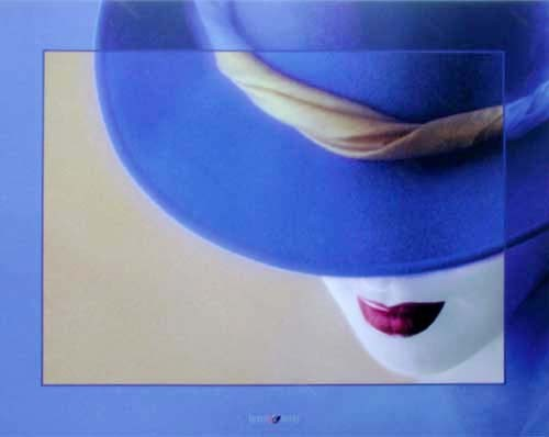 Lady und blauer Hut by Lens & Lens *