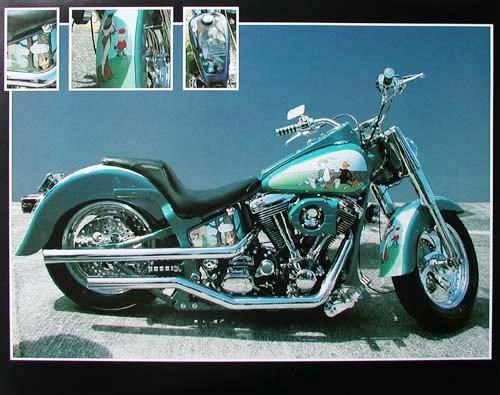 Motorrad mit Comics