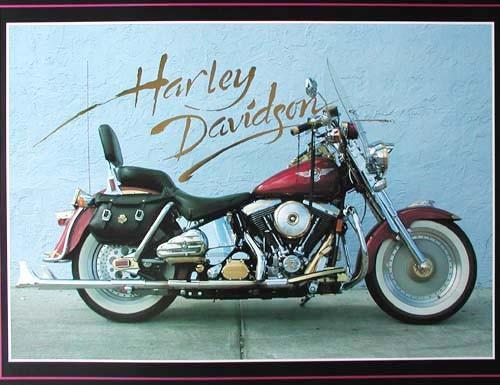 Harley Davidson mit Überschrift