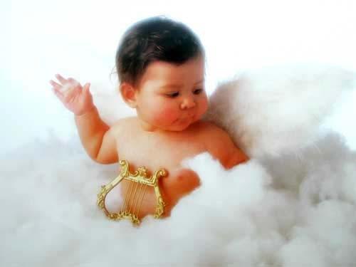 Baby als Engel auf Wolke Poster