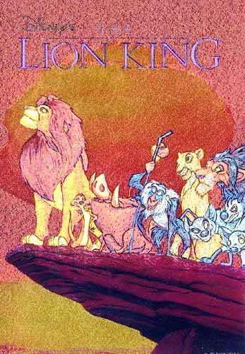König der Löwen auf Felsvorsprung Bild