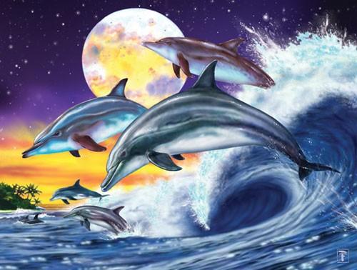 Springende Delfine beim Vollmond